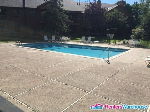 property_image - Townhouse for rent in BLOOMINGTON, MN